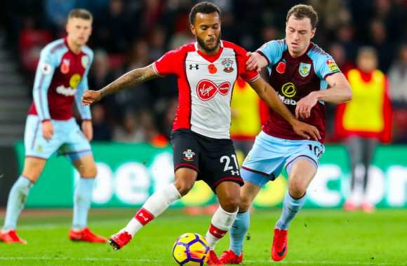 La technique infaillible de Ryan Bertrand pour gratter du temps