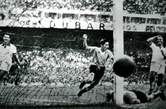 Le but d'Alcides Ghiggia contre le Brésil