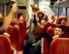 Le chant des supporters de West Ham pour Chicharito