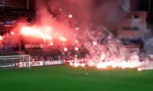 Le feu d'artifice des supporters bosniens