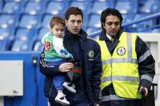Le fils d'Hazard supporte... Barcelone