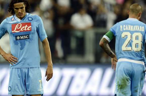 Le Napoli prend deux points, Cannavaro six mois