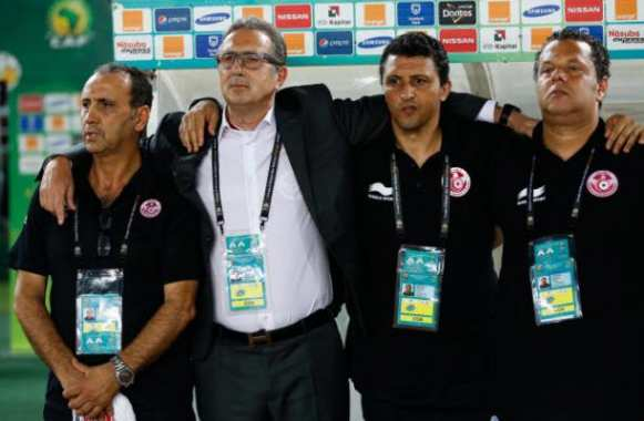 Le staff tunisien, avec Georges Leekens