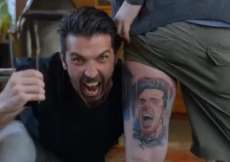 Le tatouage surprise de Buffon pour son fan n°1