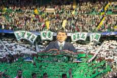 Les chœurs du Celtic chantent Rodgers