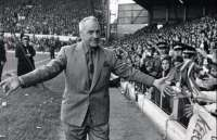 Les fans de Liverpool honorent Shankly