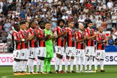 Les notes de Nice contre Naples
