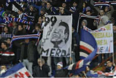 Les supporters contre Garrone