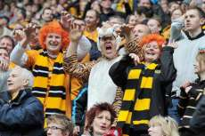 Les supporters de Hull interrompent leur match