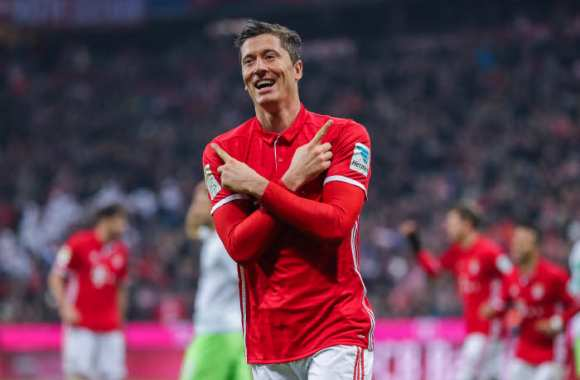 Lewandowski raille France Football