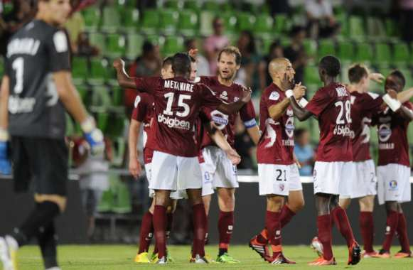 Ligue 2 : Angers premier leader