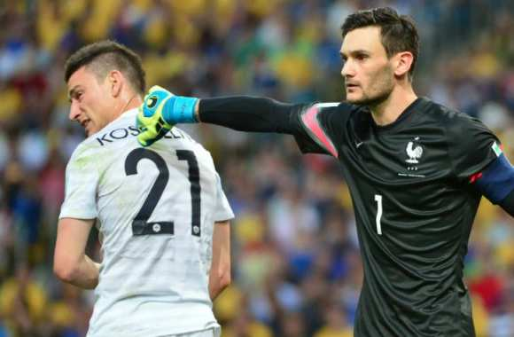 Lloris replace Koscielny