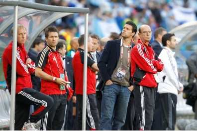 Low fait patienter Ballack
