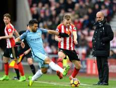 Manchester City balaie les Black Cats