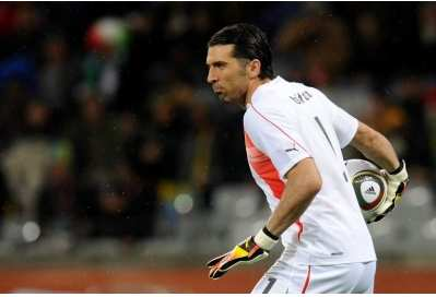 Manchester United : Buffon dément