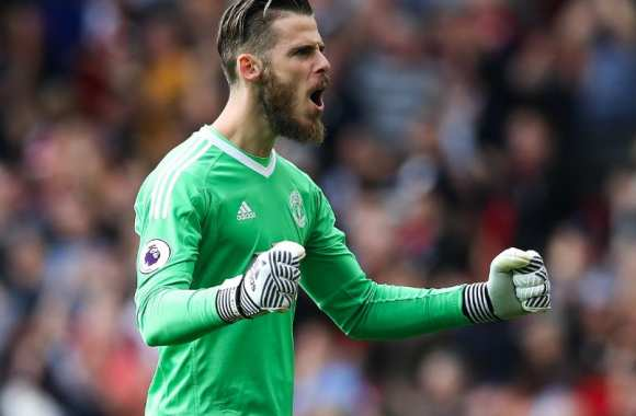 Manchester United fume West Ham