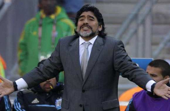 Maradona adjoint ?