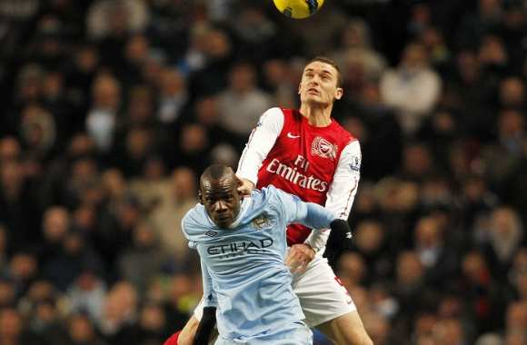 Mario Balotelli (Manchester City) contre Laurent Koscielny (Arsenal) en 2011