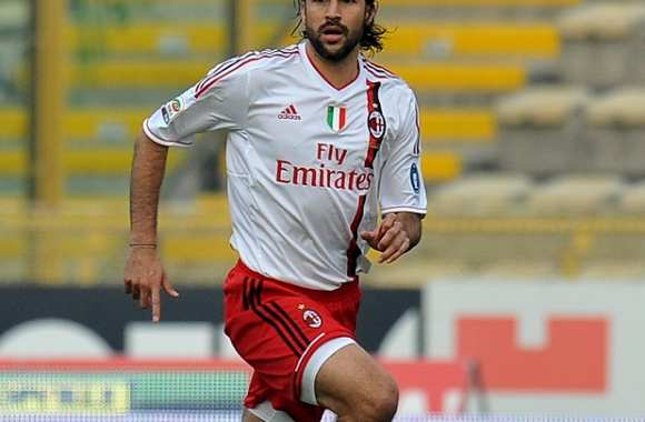 Mario Yepes rempile