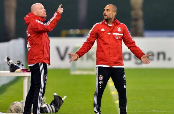 Matthias Sammer et Pep Guardiola en pleine discussion