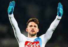 Mertens a hésité à signer en Chine