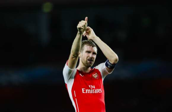Mertesacker et les manques d'Arsenal