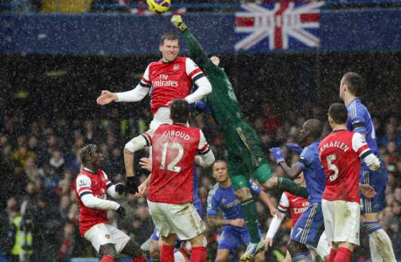 Mertesacker remercie Cech