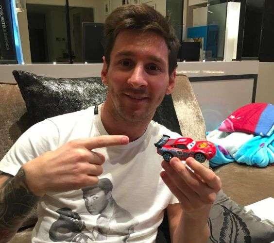 messi et la voiture la plus ch re du monde espagne. Black Bedroom Furniture Sets. Home Design Ideas