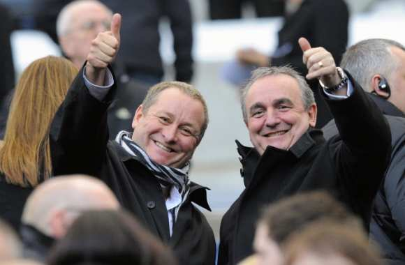 Mike Ashley et Derek Llambias