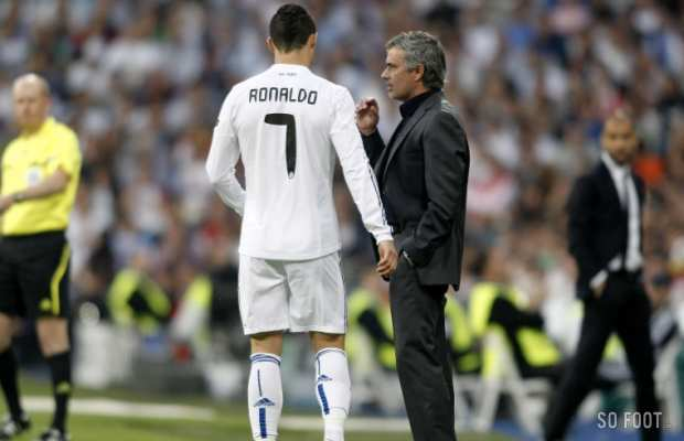 Mourinho en discussion avec Cristiano Ronaldo