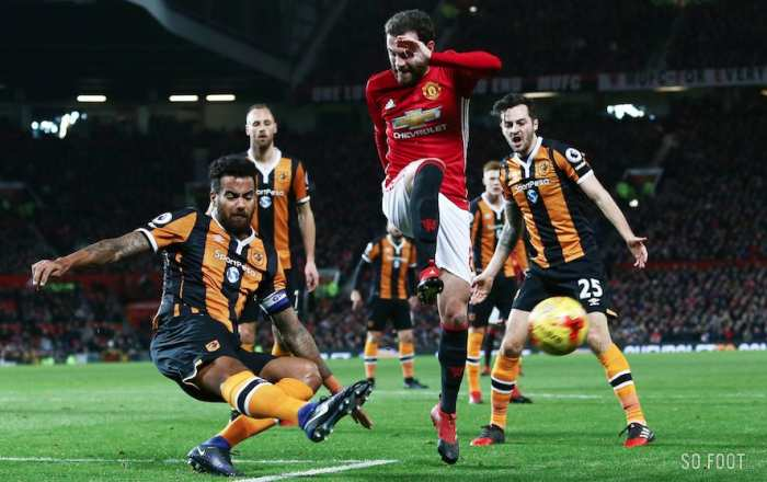 MU perd, mais se qualifie en finale de League Cup