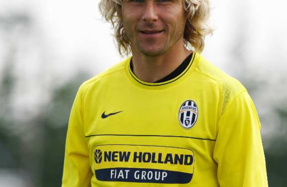 Nedved vers Cannes ?