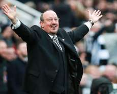 Newcastle fait chuter Man United