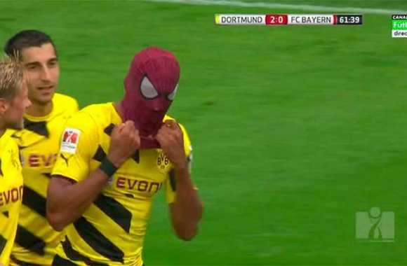 Photo : Aubameyang ressort le masque Spiderman
