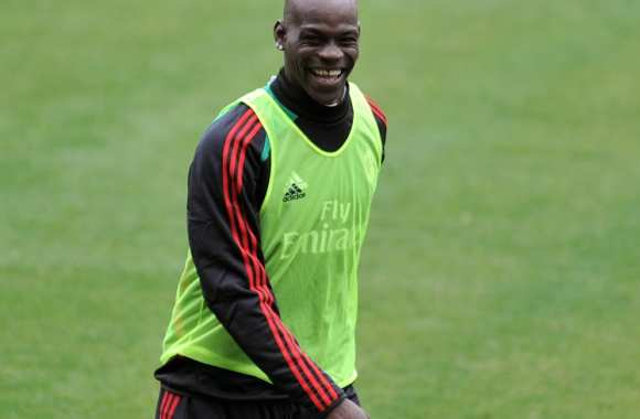 Photo : Balotelli change de coiffure