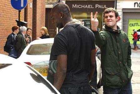 Photo: Balotelli insulté