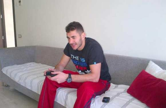 Photo : Benzema le gamer