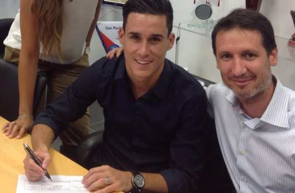 Photo : Callejon signe son contrat