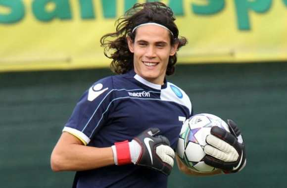 Photo : Cavani gardien de but