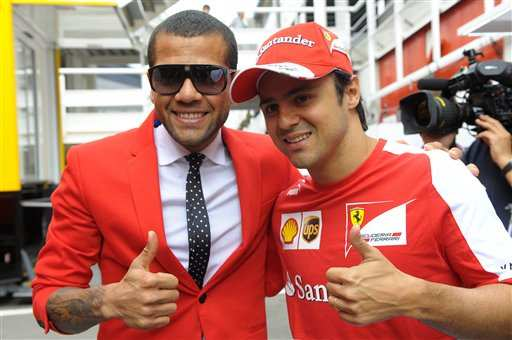 Photo : Dani Alves dans le paddock