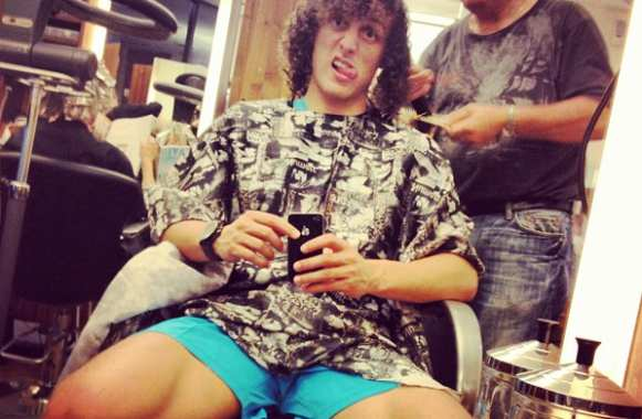 Photo : David Luiz chez le coiffeur