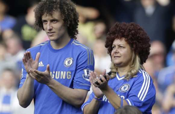 Photo : David Luiz et mère