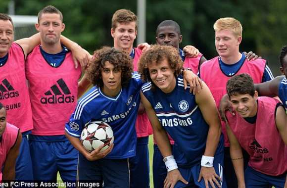 Photo : Deux David Luiz à Chelsea