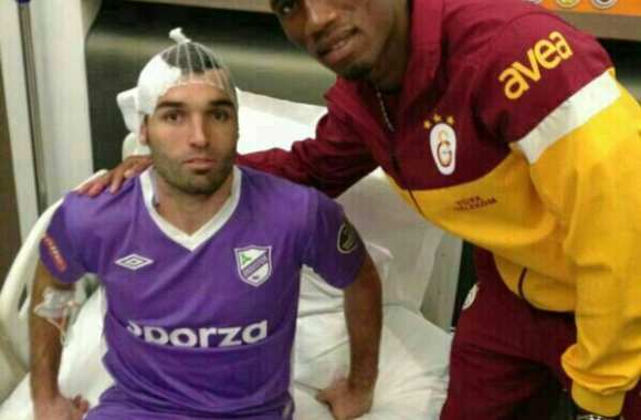 Photo : Drogba à l'hôpital