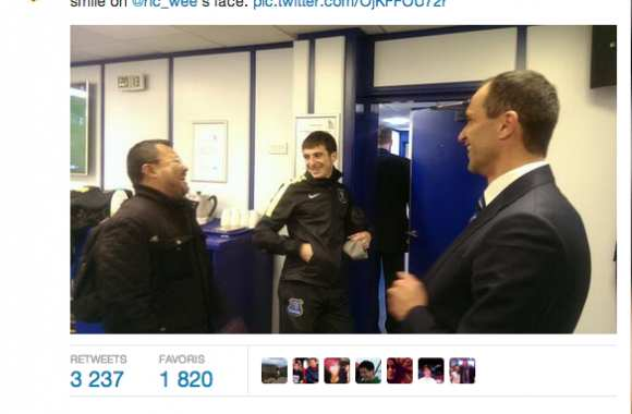 Photo : Everton et le fan malaisien