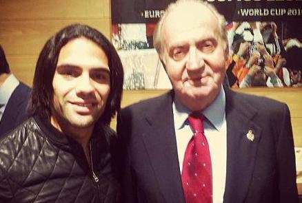 Photo: Falcao avec le Roi