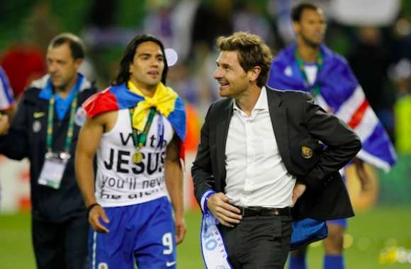 Photo : Falcao remercie Jesus