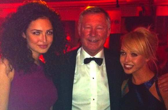 Photo: Fergie bien entouré