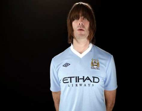 Photo : Gallagher et le maillot de City