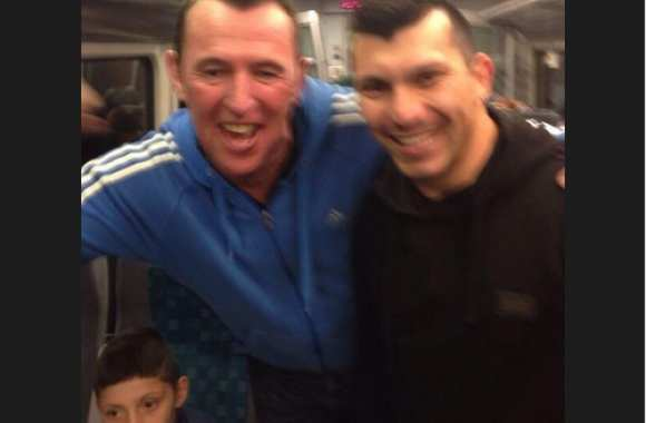 Photo : Gary Medel prend le train